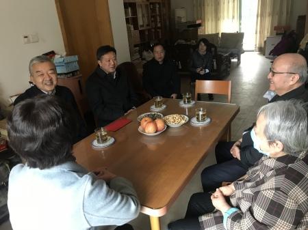 中共安徽省委常委、省委统战部部长张西明一行看望方兆本同志